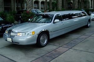 lincoln_town_car.png