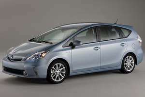 toyota_prius_v.png