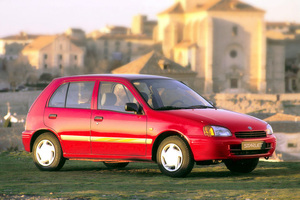 toyota_starlet.png